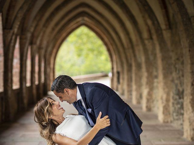 La boda de Carlos y Laura en Villamediana De Iregua, La Rioja 4