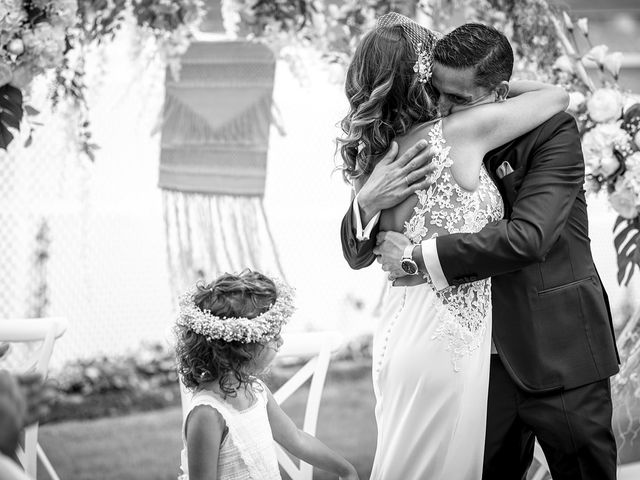 La boda de Carlos y Laura en Villamediana De Iregua, La Rioja 17