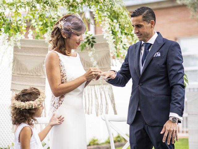 La boda de Carlos y Laura en Villamediana De Iregua, La Rioja 18