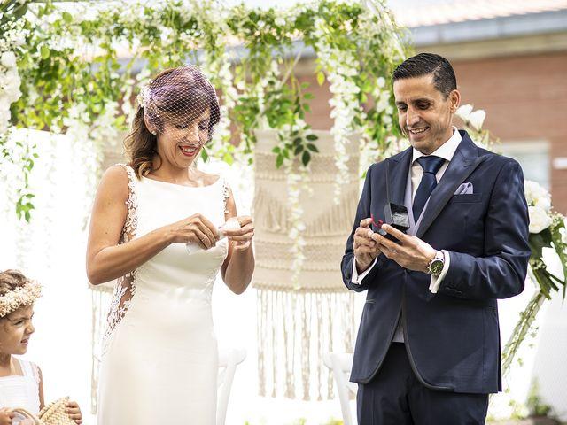 La boda de Carlos y Laura en Villamediana De Iregua, La Rioja 20