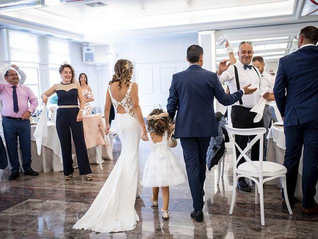 La boda de Carlos y Laura en Villamediana De Iregua, La Rioja 23