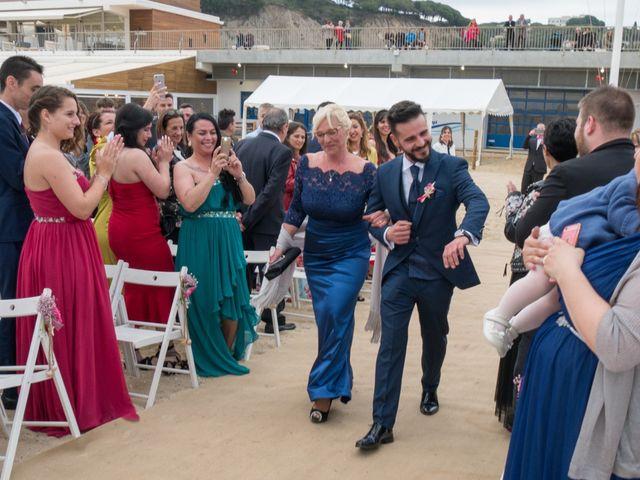 La boda de Brian y Mónica en Arenys De Mar, Barcelona 36