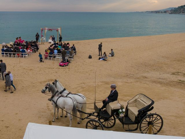 La boda de Brian y Mónica en Arenys De Mar, Barcelona 45