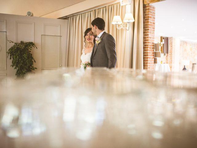 La boda de Diego y Linh en El Molar, Madrid 32