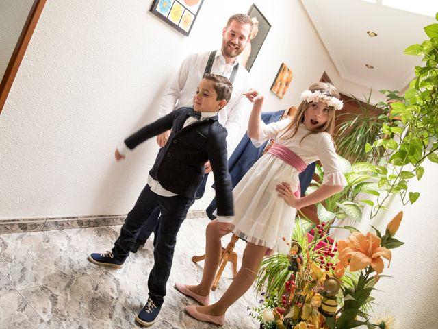 La boda de Juan Antonio y Gema en Caracuel De Calatrava, Ciudad Real 35