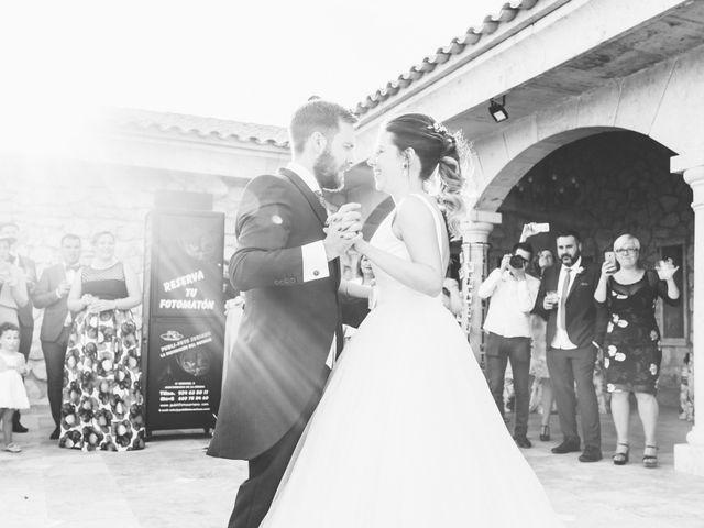 La boda de Juan Antonio y Gema en Caracuel De Calatrava, Ciudad Real 76