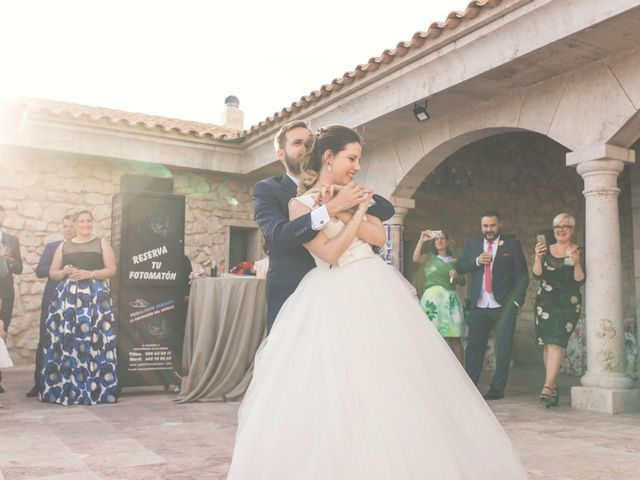 La boda de Juan Antonio y Gema en Caracuel De Calatrava, Ciudad Real 77