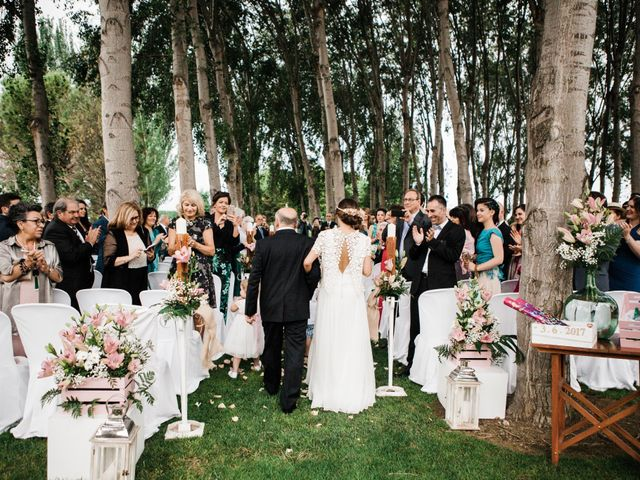 La boda de Carles y Ariadna en Bellvis, Lleida 28