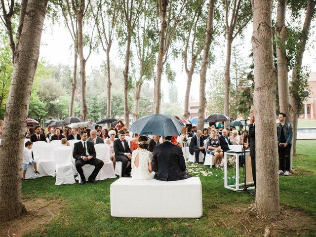La boda de Carles y Ariadna en Bellvis, Lleida 31