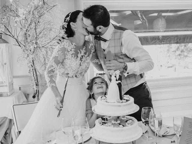 La boda de Iker y Bea en Getxo, Vizcaya 20