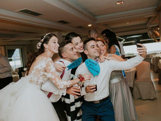 La boda de Iker y Bea en Getxo, Vizcaya 22