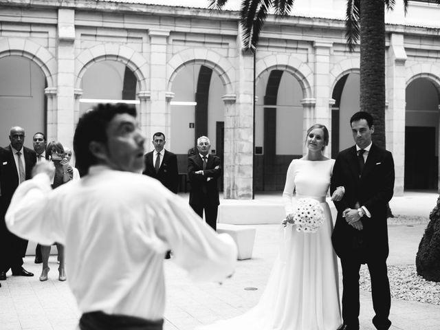La boda de Jorge y Beatriz en Las Arenas, Vizcaya 29