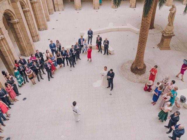 La boda de Jorge y Beatriz en Las Arenas, Vizcaya 30