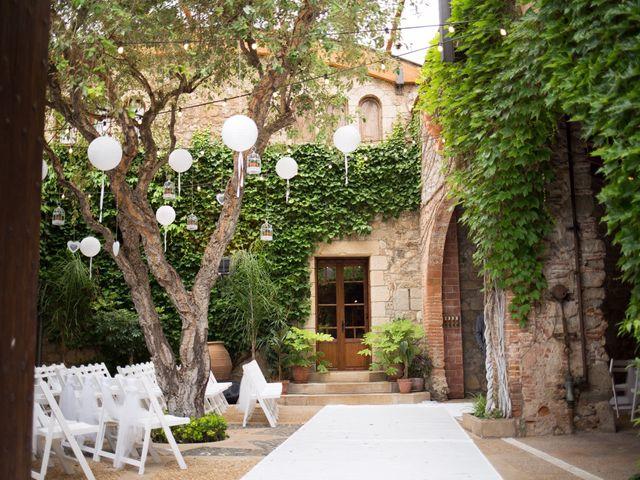 La boda de Xavi y Laura en Vilanova Del Valles, Barcelona 1