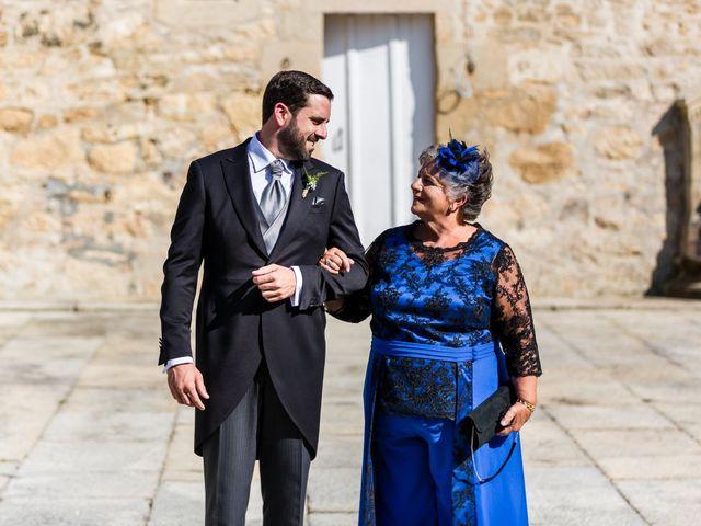 La boda de Jesús y Cayetana en Vilagarcía de Arousa, Pontevedra 32
