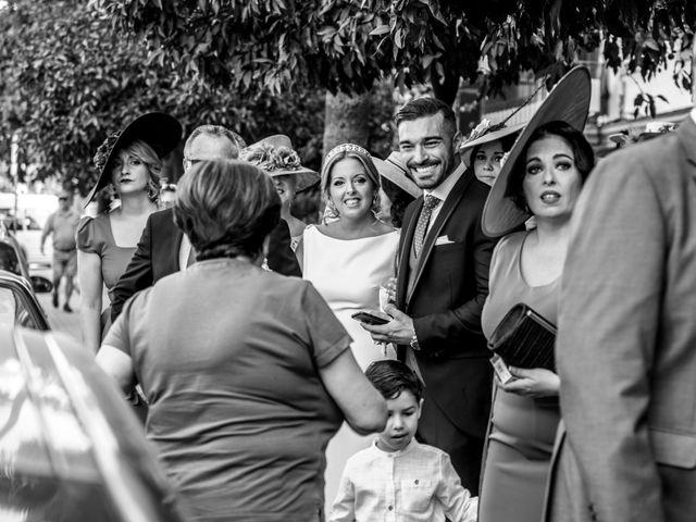 La boda de Javi y Yesenia en Alcala De Guadaira, Sevilla 8
