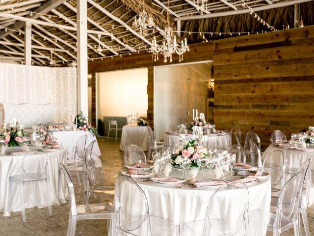 La boda de Joseph y Savis en Costa, Las Palmas 9