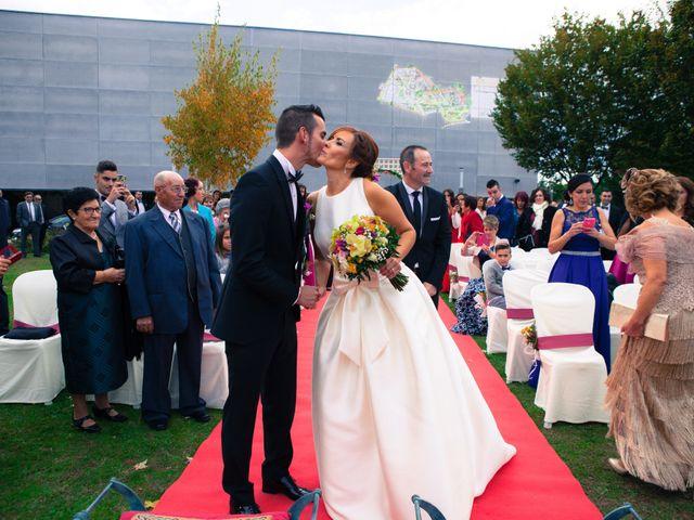La boda de Adri y Yeni en Carracedelo, León 18