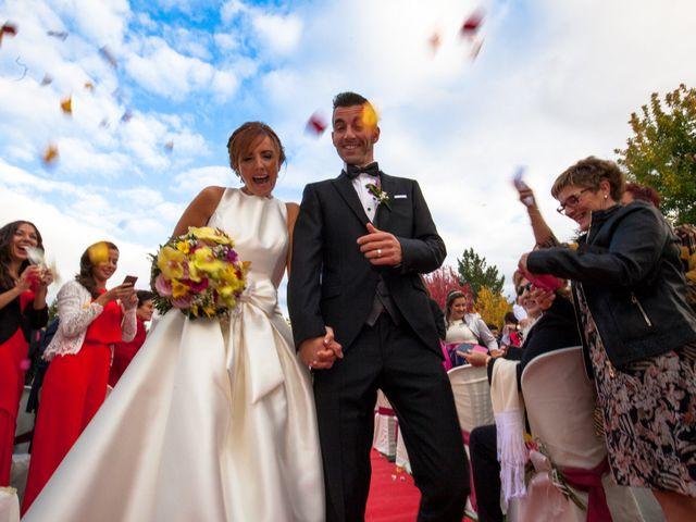 La boda de Adri y Yeni en Carracedelo, León 23