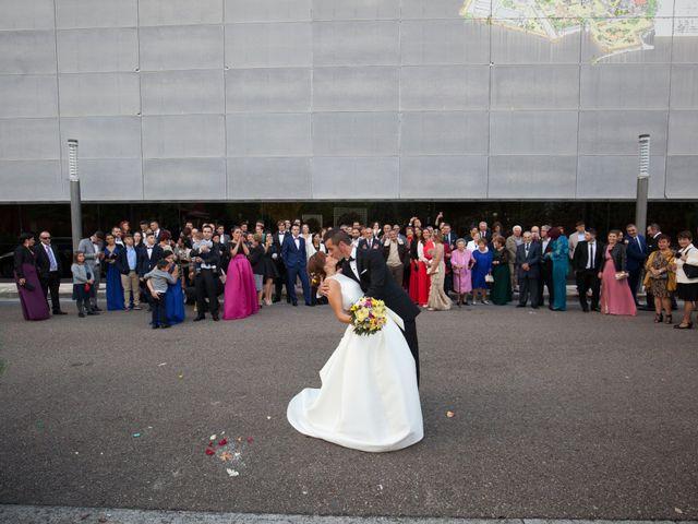 La boda de Adri y Yeni en Carracedelo, León 25