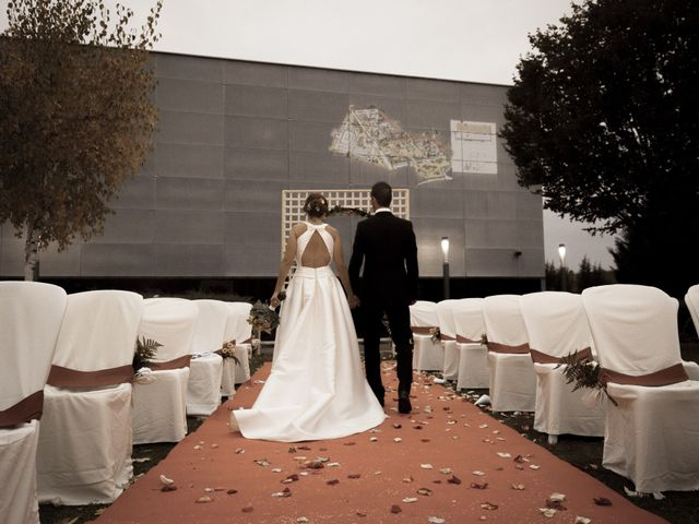 La boda de Adri y Yeni en Carracedelo, León 33