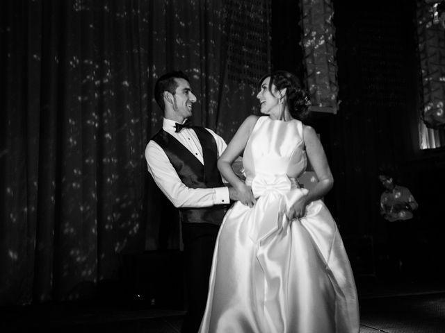 La boda de Adri y Yeni en Carracedelo, León 41