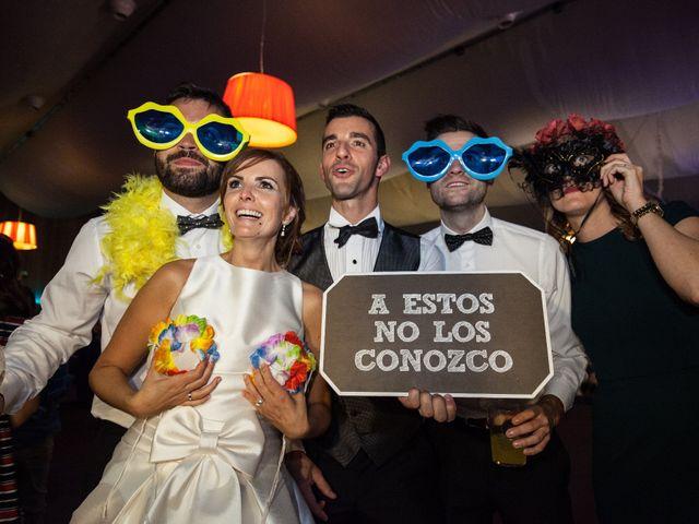 La boda de Adri y Yeni en Carracedelo, León 52