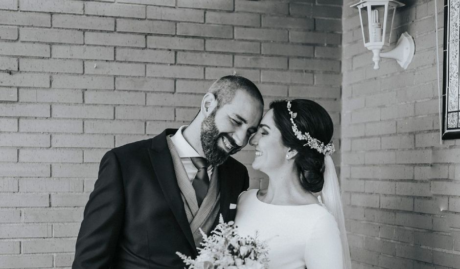 La boda de Luis  y Angie  en Alcala De Guadaira, Sevilla