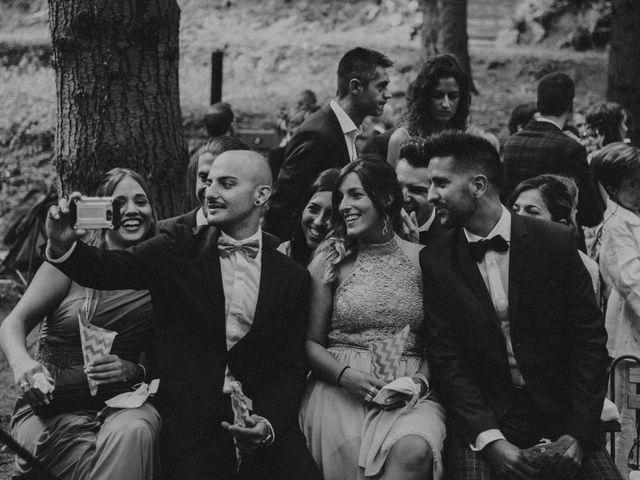 La boda de Jordi y Jennifer en Vilanova De Sau, Barcelona 35