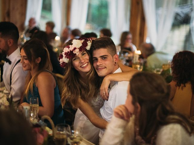 La boda de Jordi y Jennifer en Vilanova De Sau, Barcelona 75