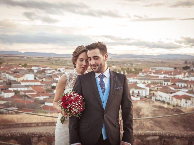 La boda de Antonio y Elena en Don Benito, Badajoz 13