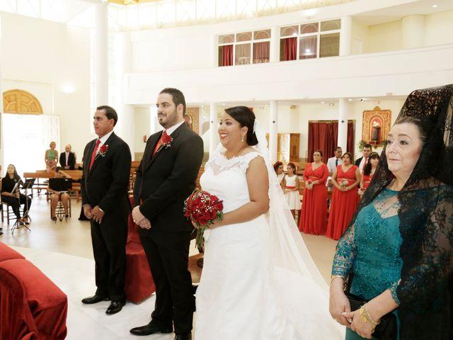 La boda de Roberto y Mercedes en Dos Hermanas, Sevilla 12