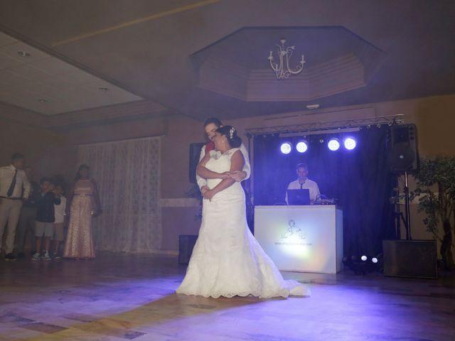 La boda de Roberto y Mercedes en Dos Hermanas, Sevilla 25