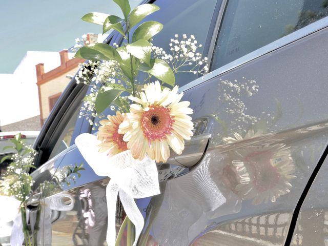 La boda de Josué y Miriam en Los Palacios Y Villafranca, Sevilla 17