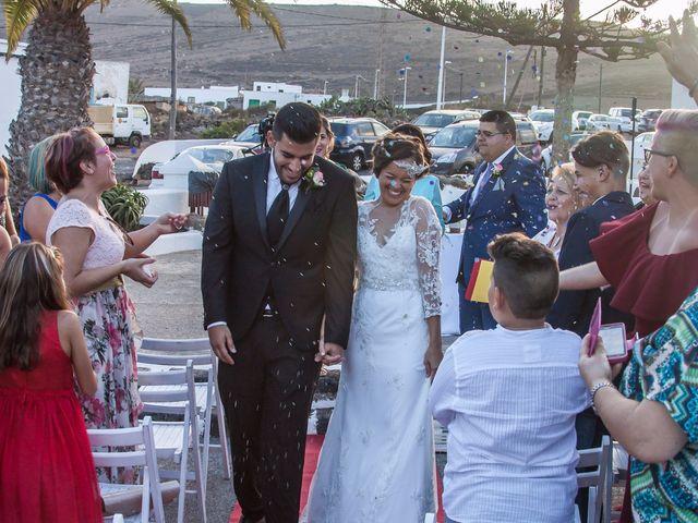 La boda de Omayra y Adrian  en San Bartolomé, Las Palmas 1