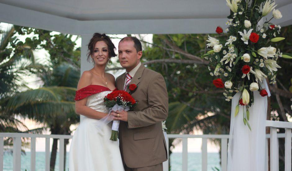 La boda de Juan y Sidarta en Orpesa/oropesa Del Mar, Castellón