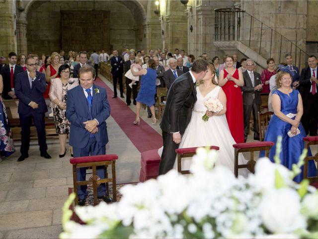 La boda de David y Isabel en Santiago De Compostela, A Coruña 2