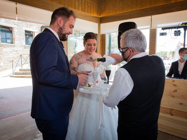 La boda de Mateo y Rebeca en Bergondo, A Coruña 32