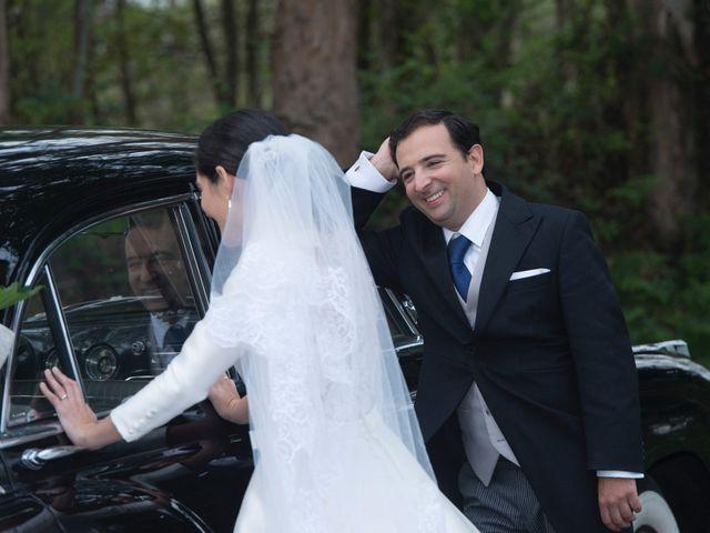La boda de Juan y Raquel en Oviedo, Asturias 9