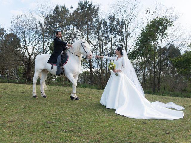 La boda de Juan y Raquel en Oviedo, Asturias 10