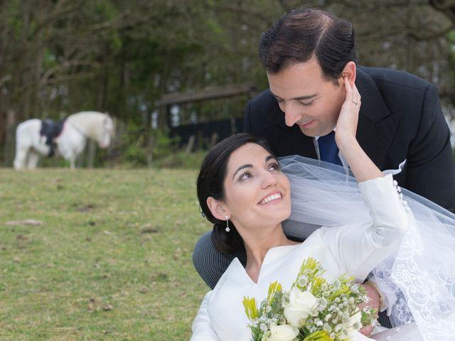 La boda de Juan y Raquel en Oviedo, Asturias 11