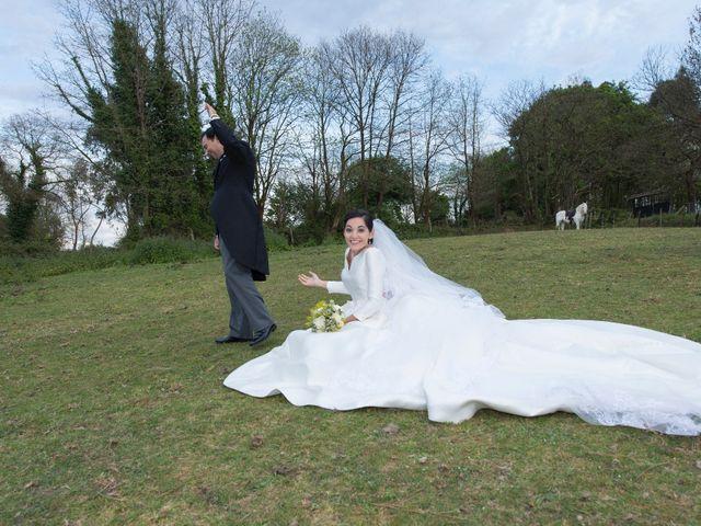 La boda de Juan y Raquel en Oviedo, Asturias 12