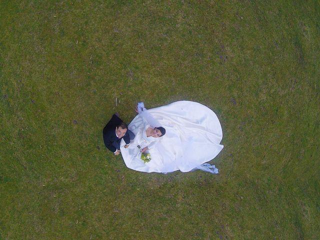 La boda de Juan y Raquel en Oviedo, Asturias 14