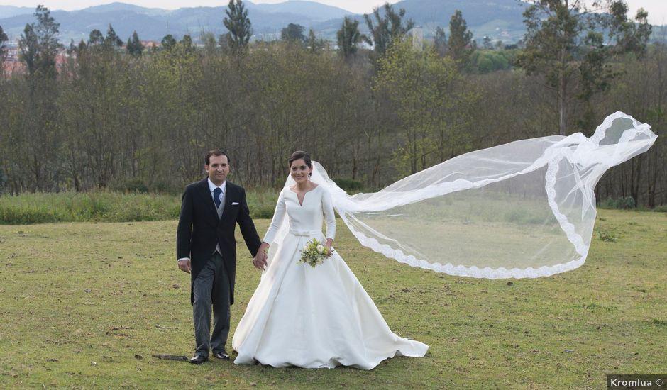 La boda de Juan y Raquel en Oviedo, Asturias