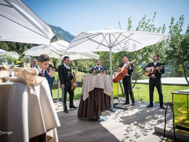 La boda de Hugo y Yolanda en Estación Canfranc, Huesca 15