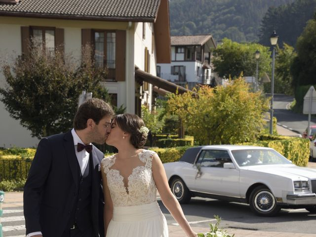 La boda de Haritz y Maitane en Mutiloa, Guipúzcoa 13