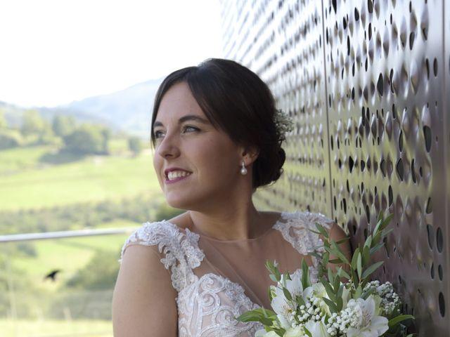 La boda de Haritz y Maitane en Mutiloa, Guipúzcoa 18