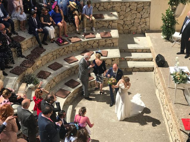 La boda de Joaquin y Laura   en Pueblo Acantilado, Alicante 2