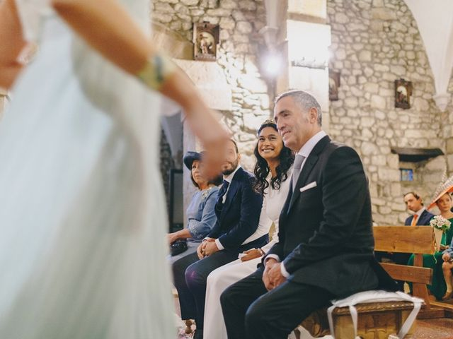 La boda de Chema y Catherine en Puente Arce, Cantabria 28