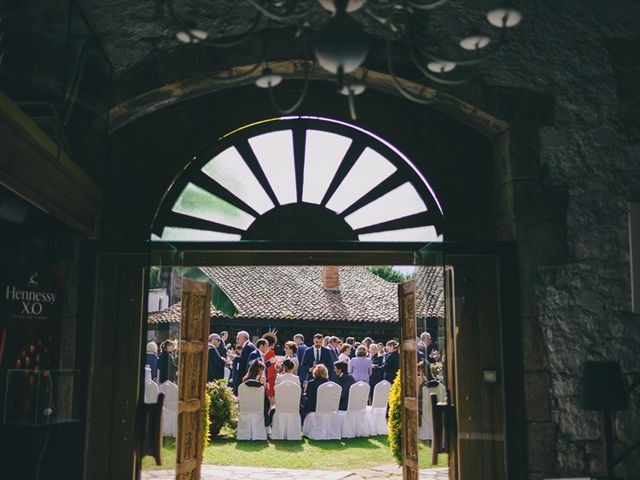La boda de Chema y Catherine en Puente Arce, Cantabria 67